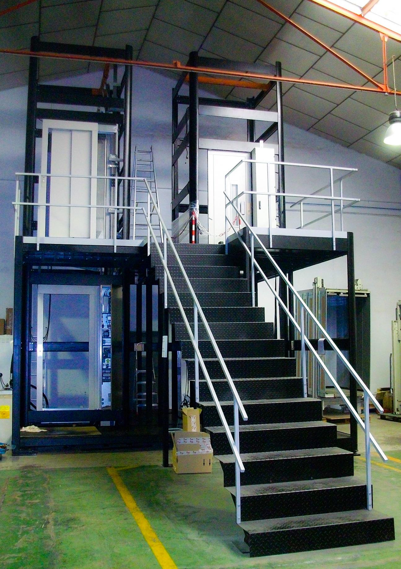 Estructura completa de ascensor